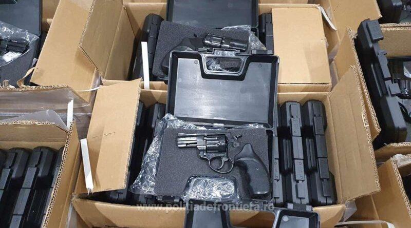 au găsit aproape 3000 de pistoale