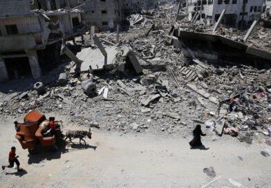 (FOTO) Imagini TRAGICE. Musulmanii din Gaza, au sărbătorit încheierea Ramadanului, rugându-se printre ruine