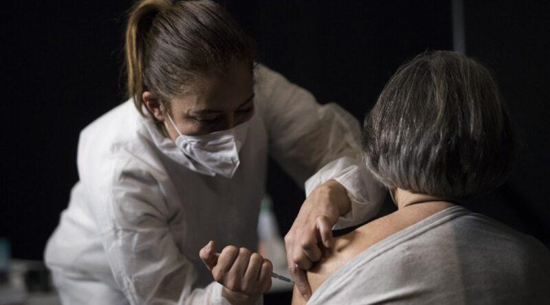 Sondajele arata ca 33 din cetateni UE ezita sa se vaccineze