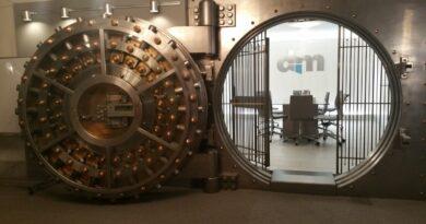 Un director de bancă din România a furat zeci de mii de euro din tezaurul băncii la care era angajat