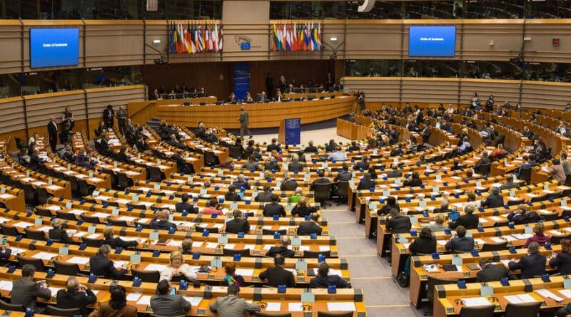 Cum au votat europarlamentarii români în PE pentru legea anti-LGBT din Ungaria